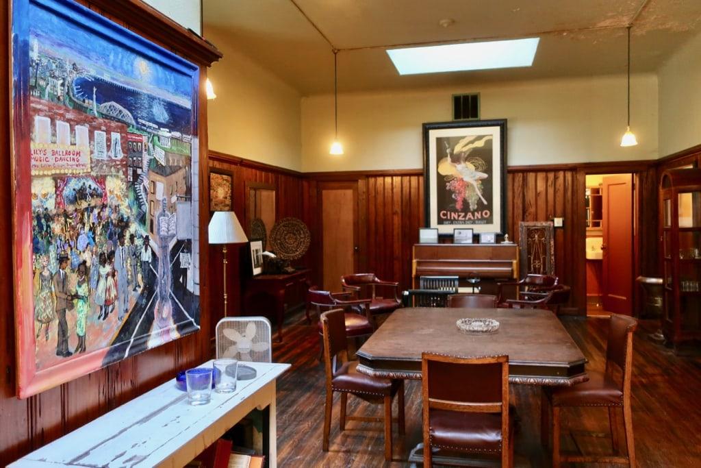 Thames Wine and Spirits Cigar Bar New London CT